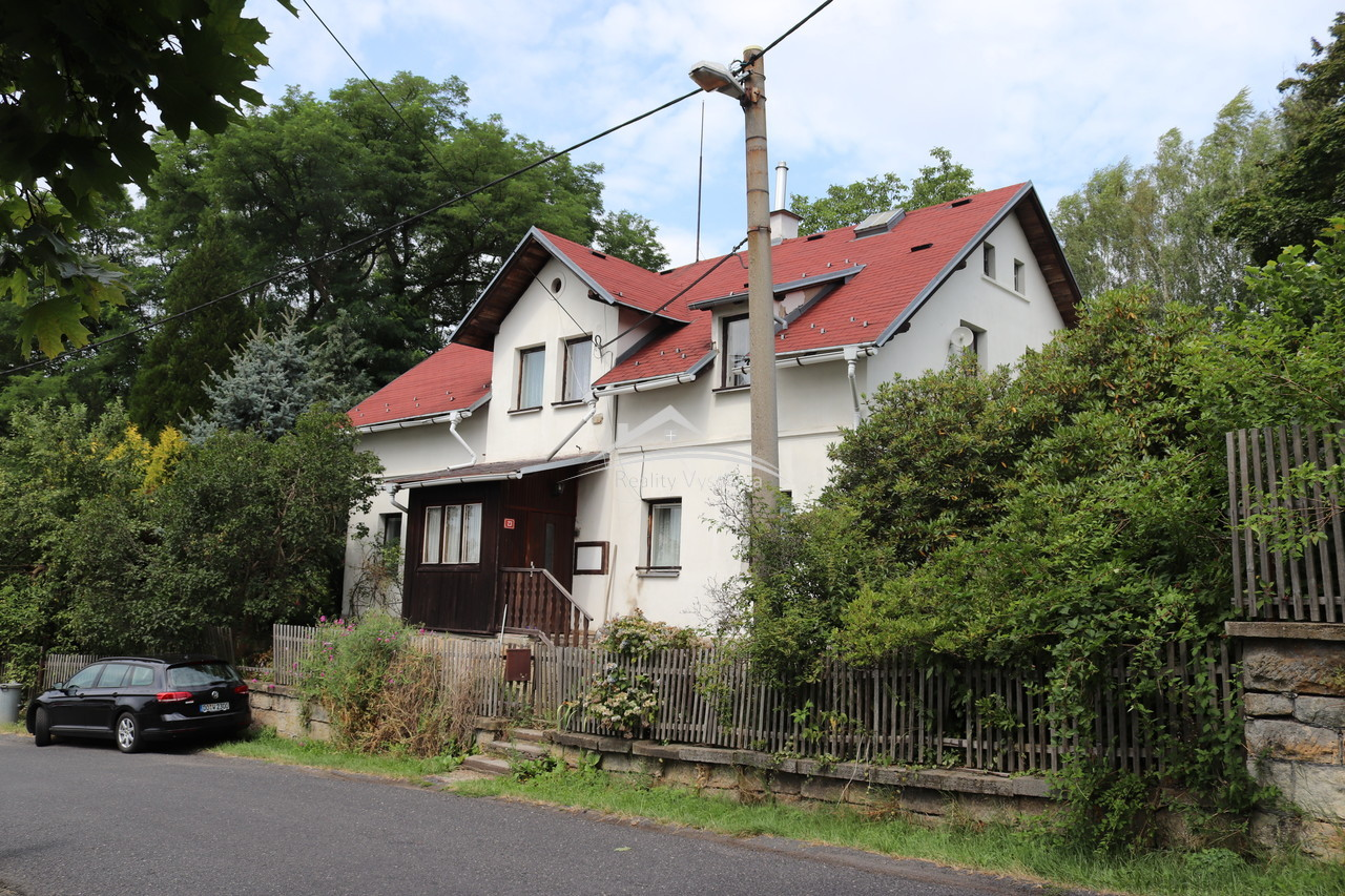 Rodinný dům v obci Janov, okr. Děčín.