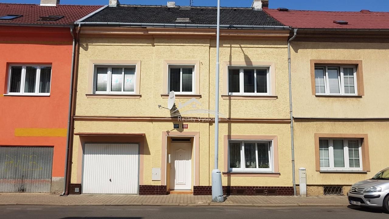 Rodinný dům se zahradou a garáží v Trmicích u Ústí ...