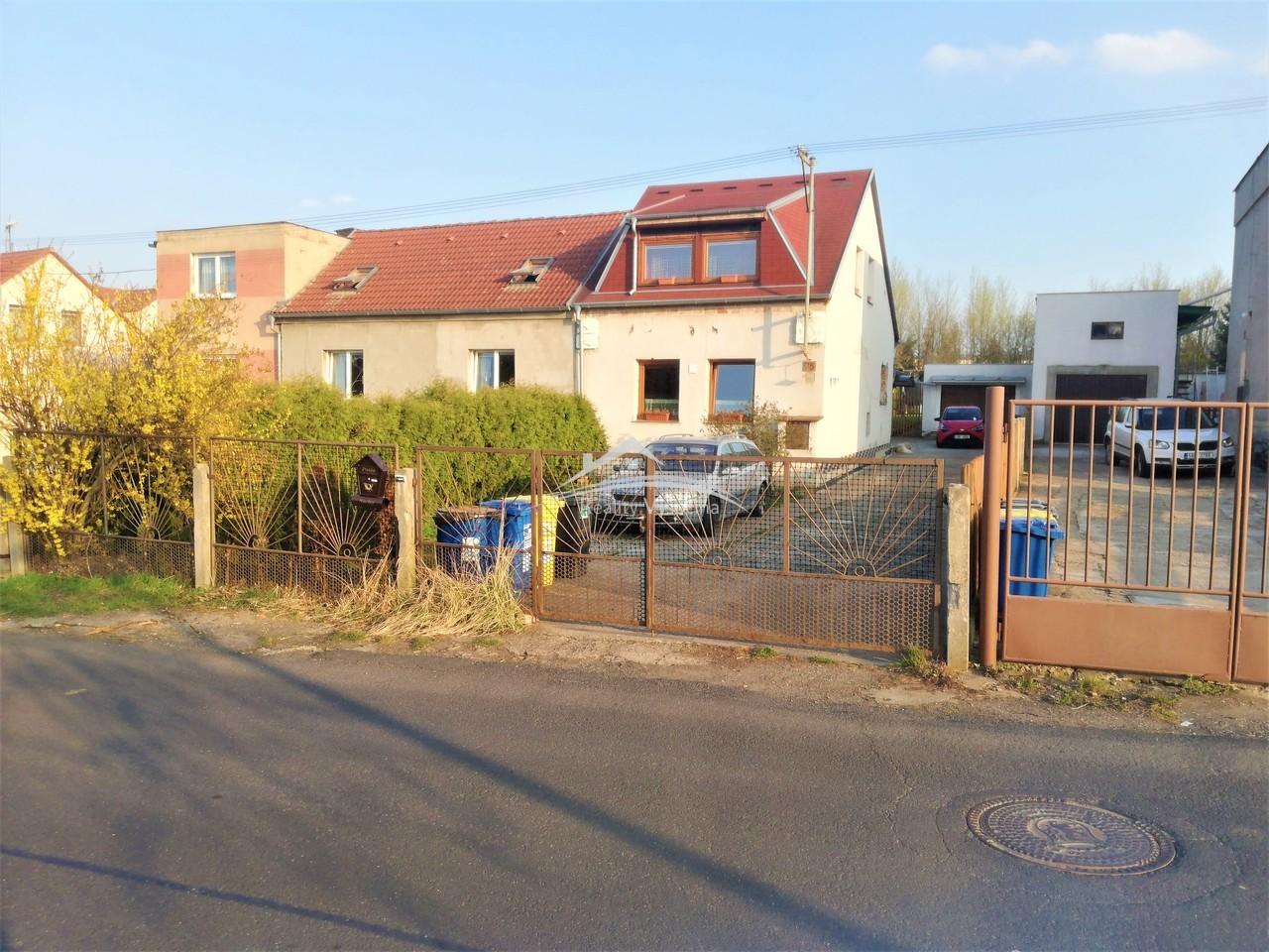 Rodinný dům v obci Řehlovice, okr. Ústí nad Labem