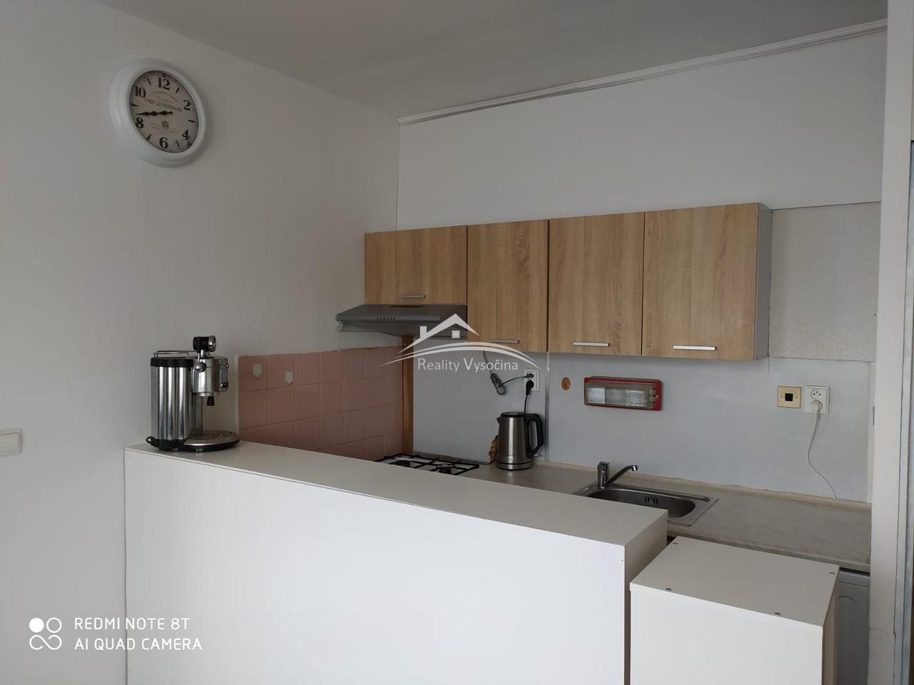 Pronájem, 1+1, OV, 4.patro, 33 m2,  ulice Kmochova ...