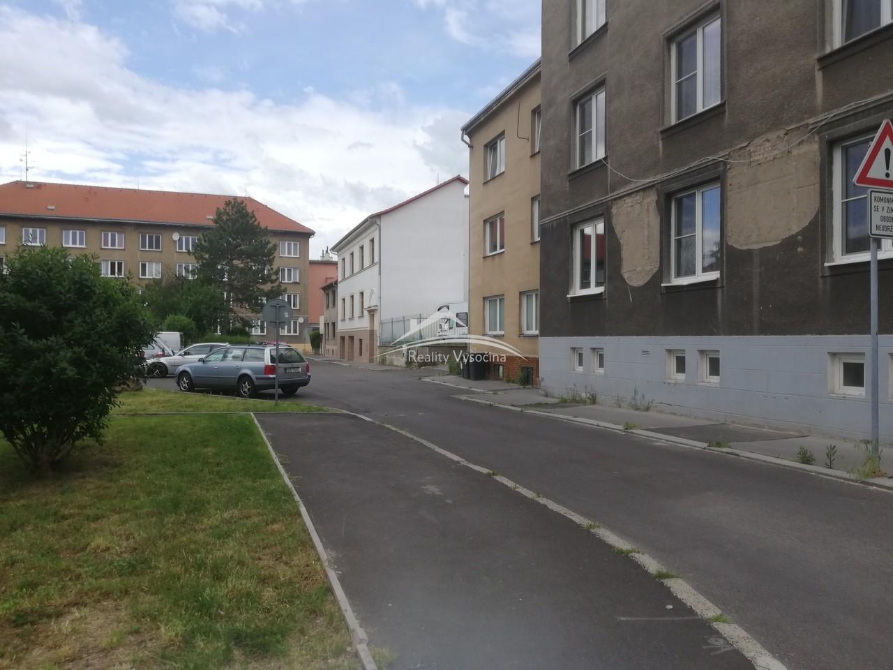 Garáž v Ústí nad Labem, Střekov.