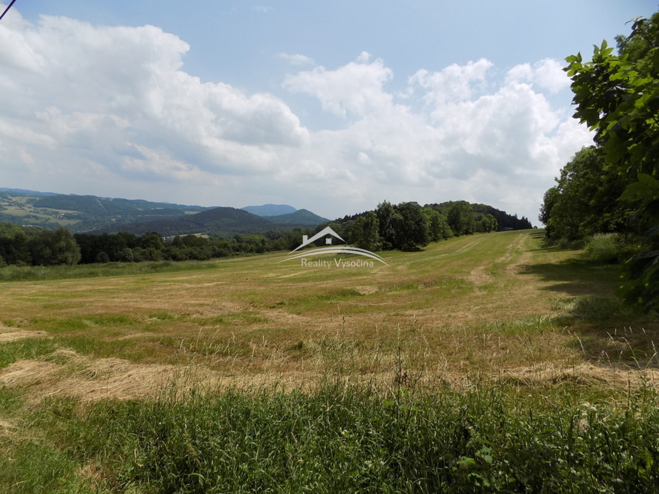Prodej pozemku o velikost 9809m2, 10km od Ústí nad ...