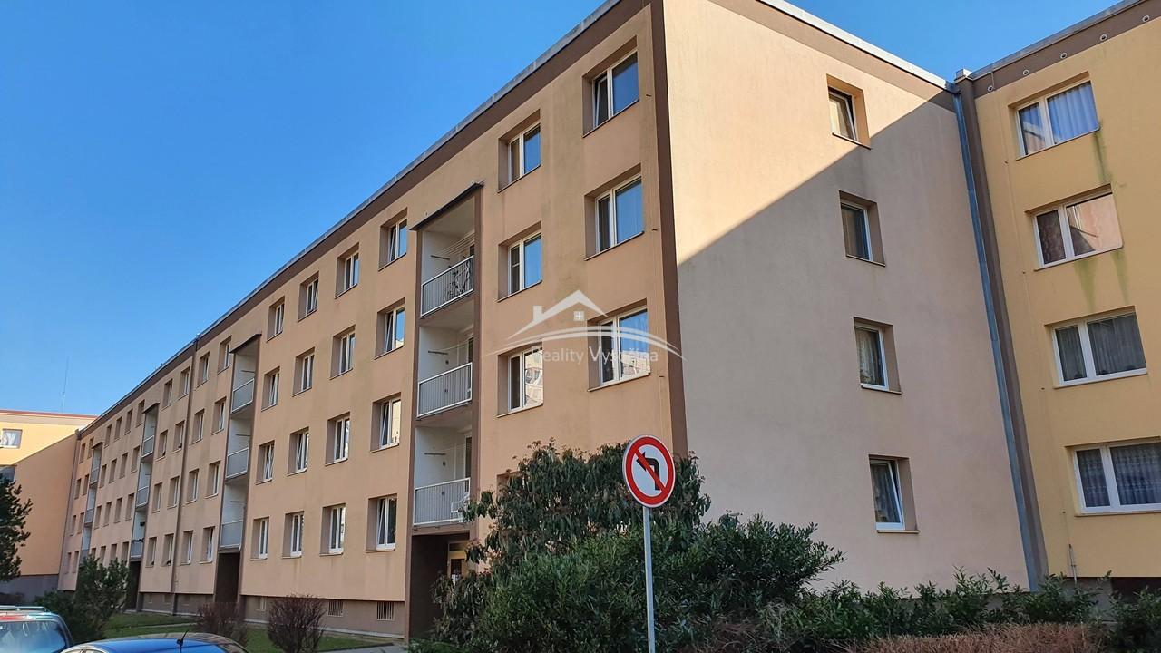 Pronájem, 3+1/L, DV, 3.patro, 79 m2, ulice J.Plach ...